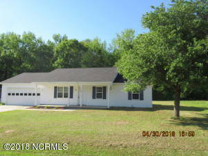 118 Pear Tree Lane, Richlands, NC 28574