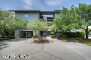 49 Pipers Neck Road, Wilmington, NC 28411