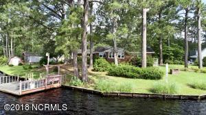184 Canal Drive, Southport, NC 28461