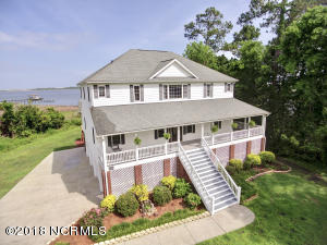 1075 Chadwick Shores Drive, Sneads Ferry, NC 28460