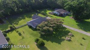 306 Oakmont Drive, Hampstead, NC 28443