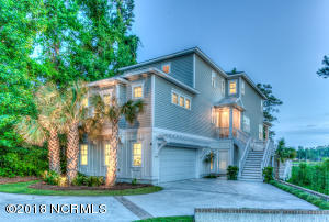 2525 Royal Palm Lane, Wilmington, NC 28409