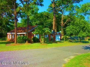 902 E Moore Street, Southport, NC 28461
