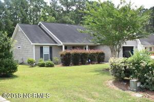 718 Oak Branches Close SE, Belville, NC 28451