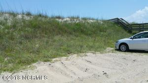 1402 N Shore Drive