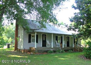 51 Jonestown Road, Wallace, NC 28466