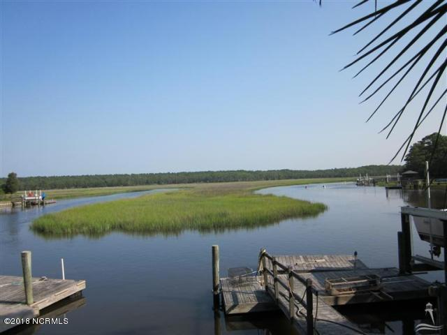 1009 Captain Adkins Drive Southport, NC 28461