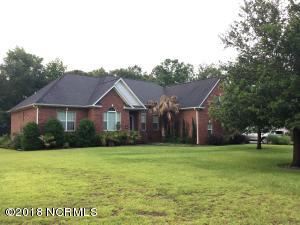555 Groves Point Drive, Hampstead, NC 28443