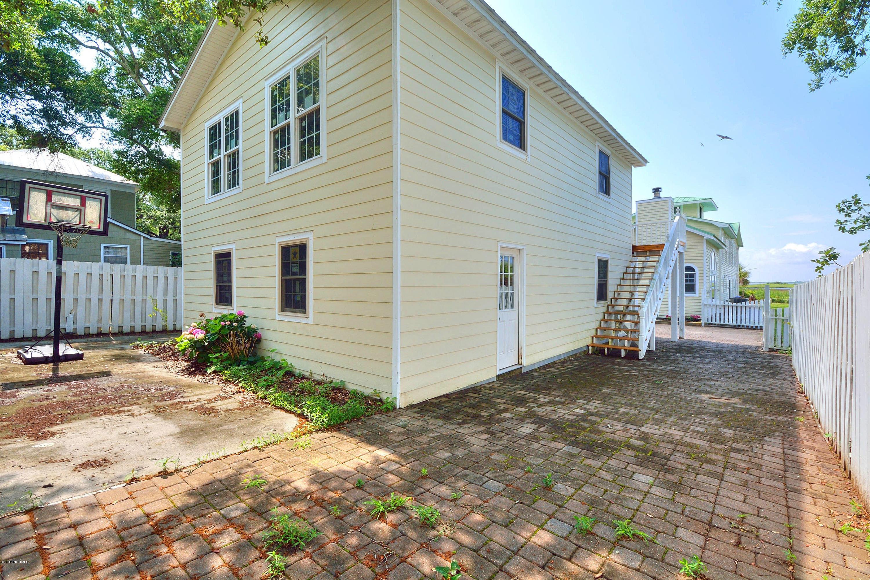 508 W Brunswick Street Southport, NC 28461