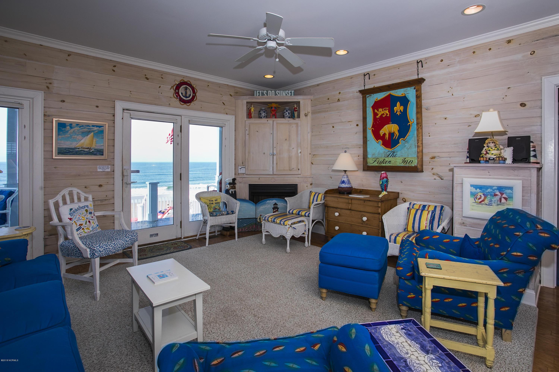 6609 W Beach Drive Oak Island, NC 28465