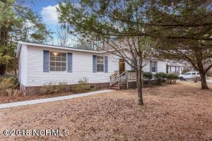 546 Groves Point Drive, Hampstead, NC 28443