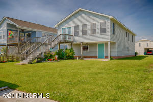 3050 3rd Street, Surf City, NC 28445