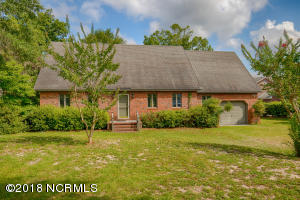 455 Chadwick Shores Drive, Sneads Ferry, NC 28460
