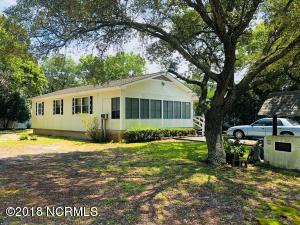 158 NE 7th Street, Oak Island, NC 28465