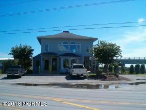 809 Roland Avenue, Surf City, NC 28445
