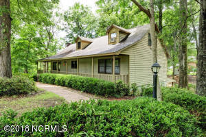 100 E Gooseneck Road, Rocky Point, NC 28457