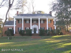 1711 Brentwood Circle N, Wilson, NC 27893