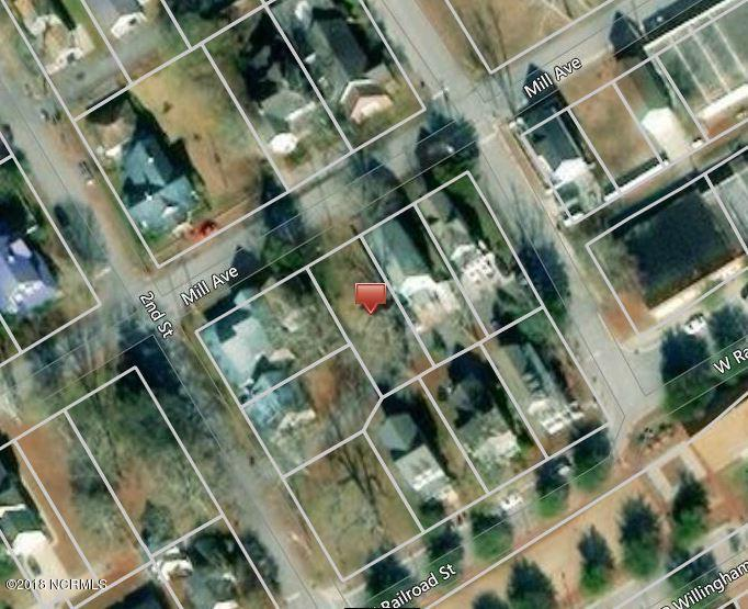 This residential lot is .12 acre in historic downtown Jacksonville. Build your dream home in the heart of Jacksonville with the convenience of being close to everything include shopping, waterways, parks and Marine Corps Bases. See associated docs for 3 unique floorplans you can build on this lot!
