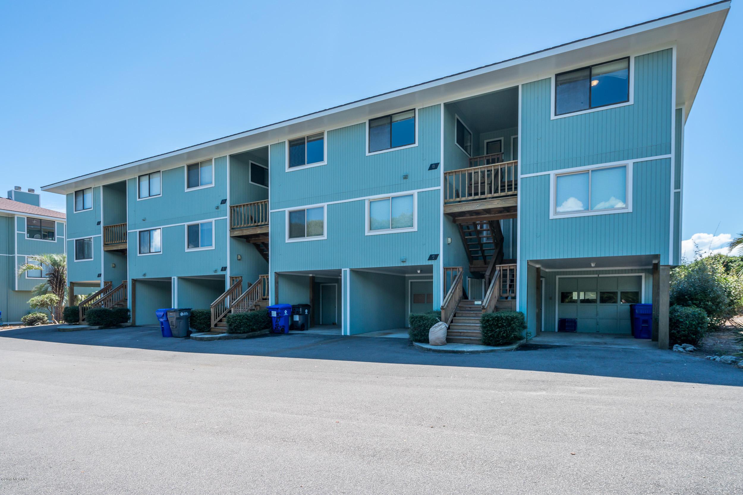 11 Ocean Court Caswell Beach, NC 28465