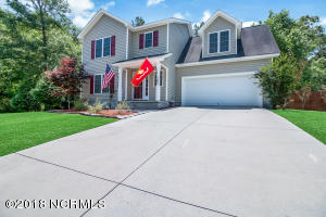 102 Camellia Creek Drive, Richlands, NC 28574