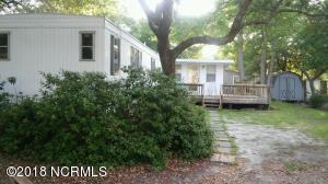 207 NE 68th Street, Oak Island, NC 28465