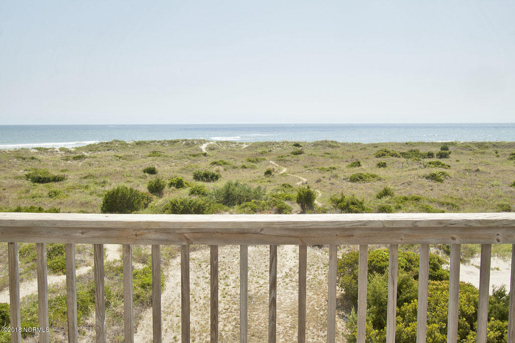 6927 Kings Lynn Drive Oak Island, NC 28465
