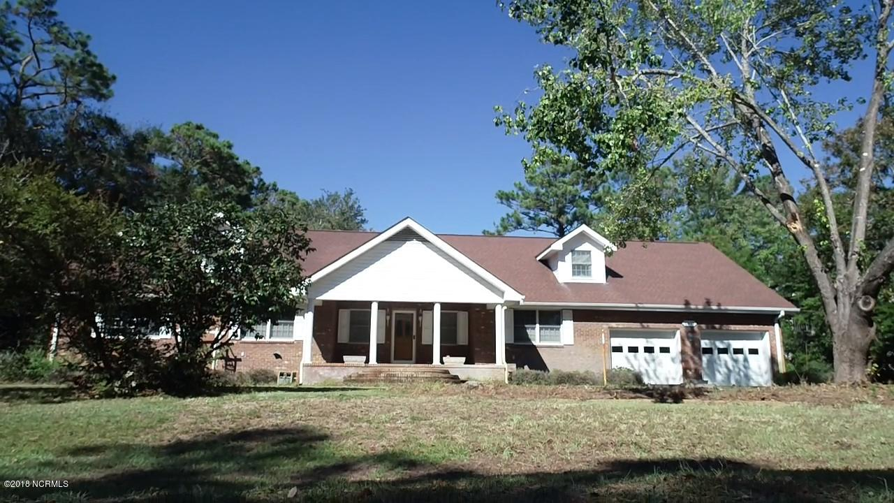 1011 Captain Adkins Drive Southport, NC 28461