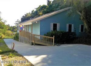 3 White Lane SW, Oak Island, NC 28465