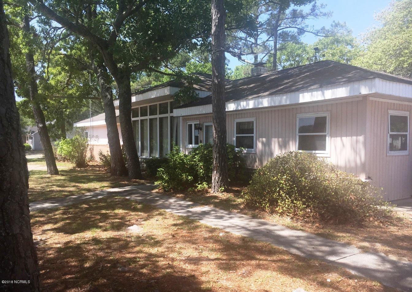 208 E Oak Island Drive Oak Island, NC 28465