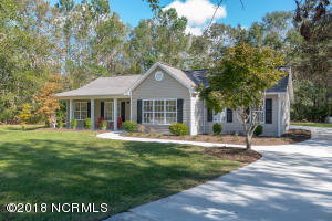 308 Masters Lane, Hampstead, NC 28443