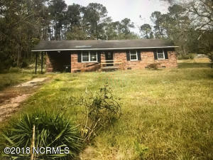 211 New Road, Burgaw, NC 28425