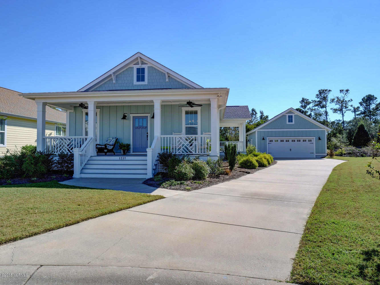 1237 N Caswell Avenue Southport, NC 28461