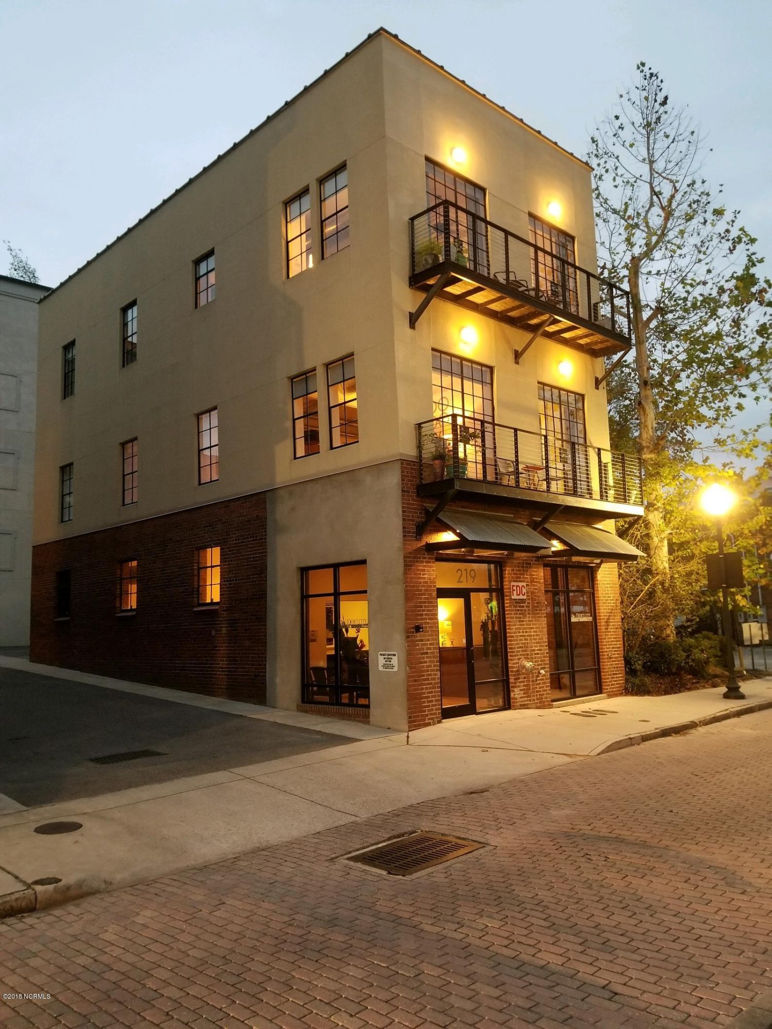 219 Water Street- Wilmington- North Carolina 28401, ,Comm Sale Or Lease,For Sale,Water,100114446