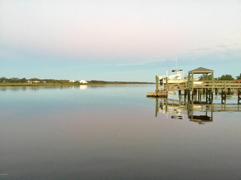 5004 E Yacht Drive Oak Island, NC 28465