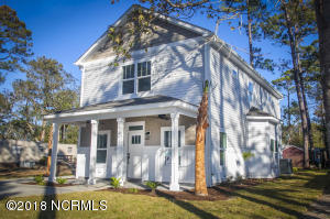 218 NE 76th Street, Oak Island, NC 28465