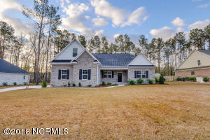 354 Crown Pointe Drive, Hampstead, NC 28443