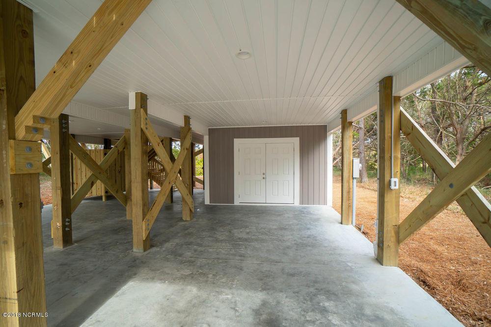 210 W Pelican Drive Oak Island, NC 28465