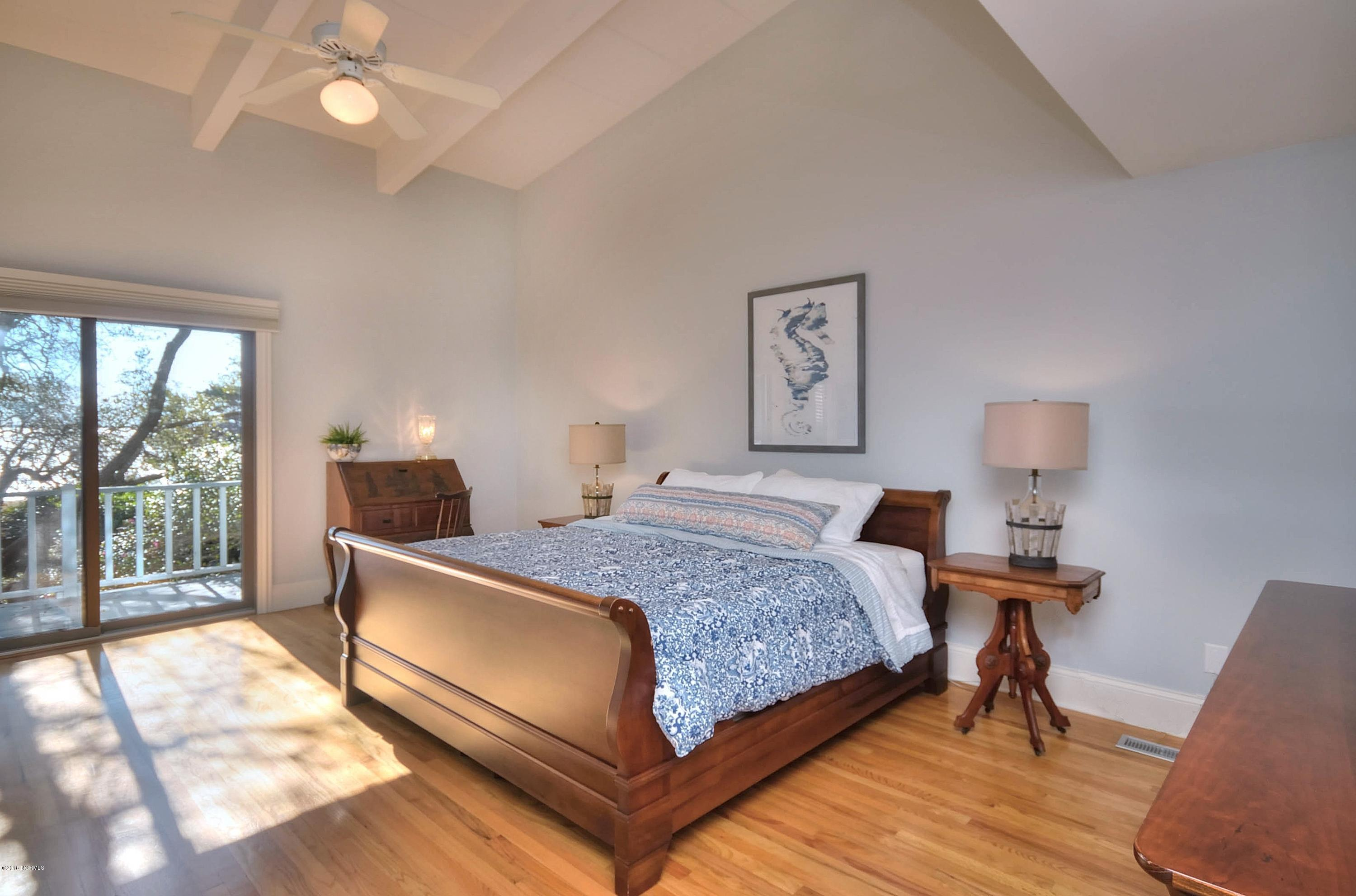 232 River Drive Southport, NC 28461