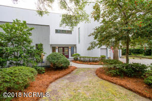 232 River Drive, Southport, NC 28461
