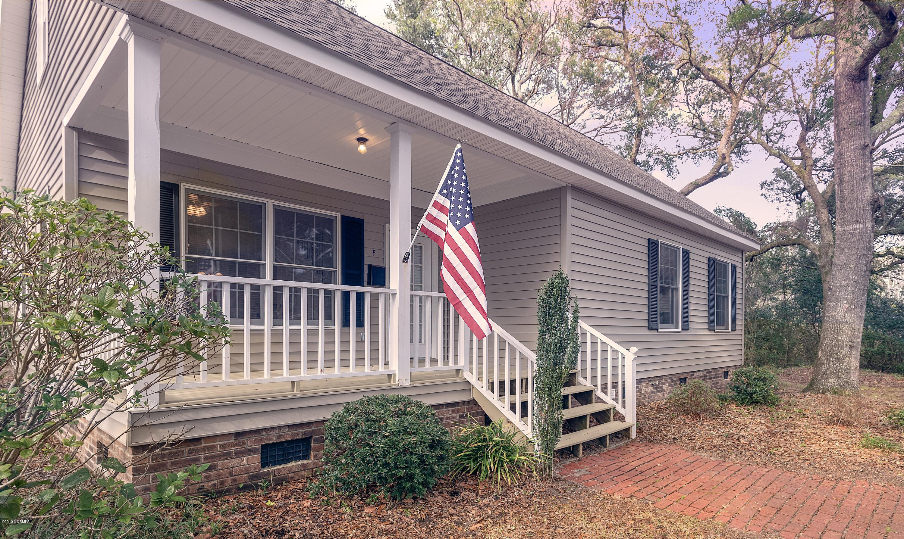 313 E Brown Street #6 Southport, NC 28461