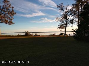 143 1 Country Club Drive, Minnesott Beach, NC 28510