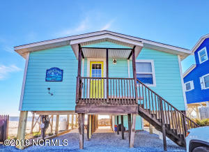 "Enjoy ""Moonstruck"" - the quintessential beach cottage!"