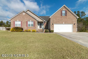 402 Stagecoach Drive, Jacksonville, NC 28546