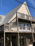 1413 N Topsail Drive, Surf City, NC 28445