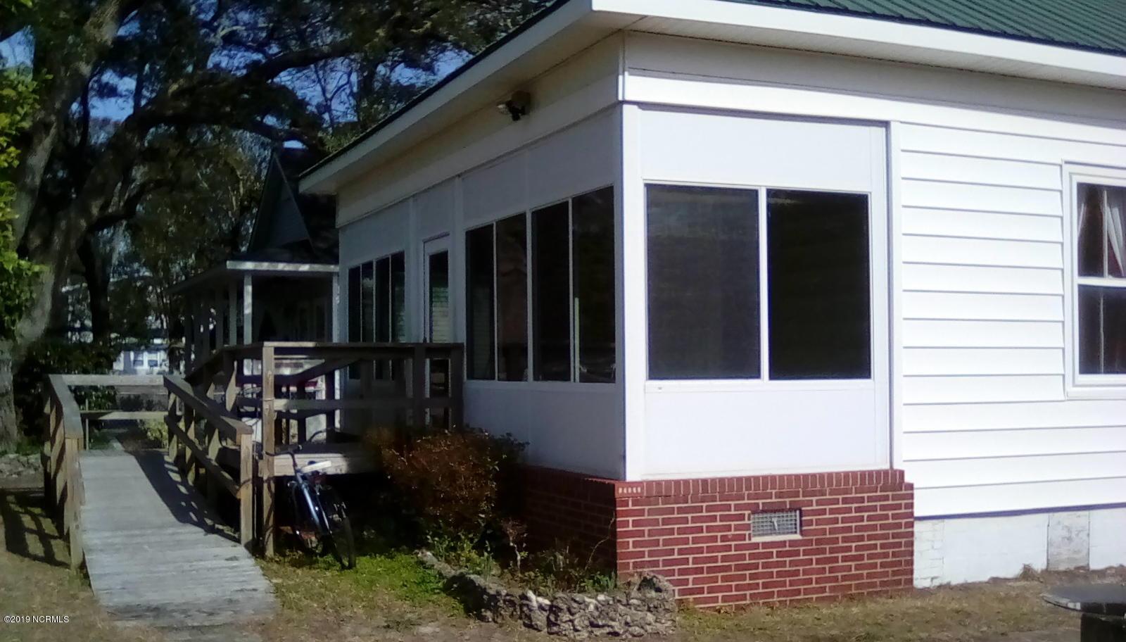 414 Burrington Avenue Southport, NC 28461