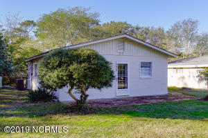 113 NE 66th Street, Oak Island, NC 28465