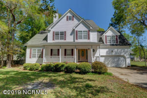 1360 Chadwick Shores Drive, Sneads Ferry, NC 28460