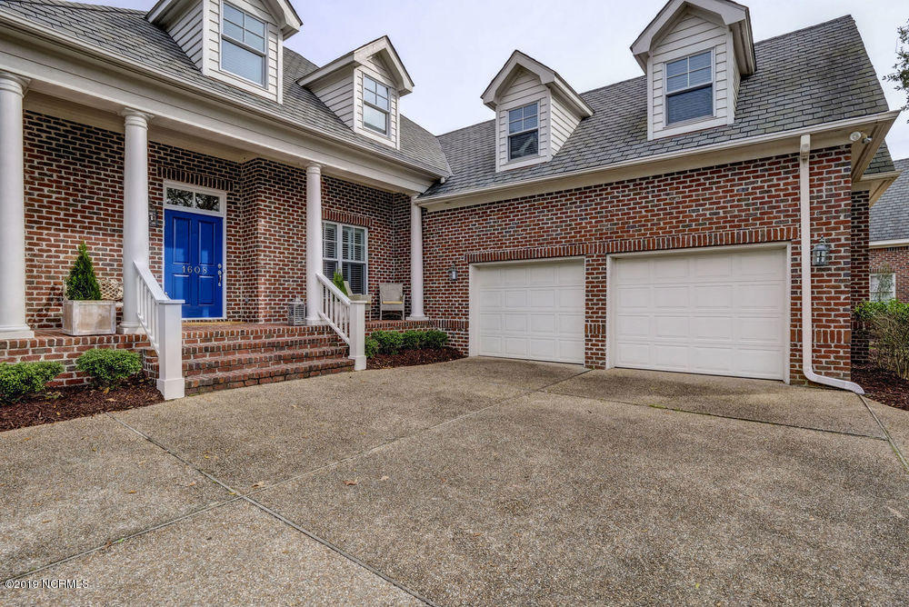 1608 Dye Place Wilmington, NC 28405
