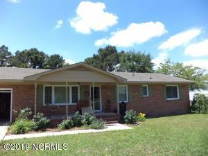 136 Swan Point Road, Sneads Ferry, NC 28460