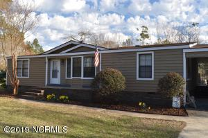 1900 Sloop Point Road, Hampstead, NC 28443